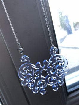 Collier arabesque