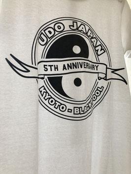 UDO JAPAN 5周年記念 背中縦書Tシャツ ホワイト☆2019