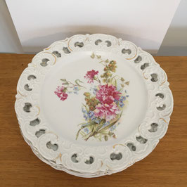 Set de 5 assiettes Fleurs et dentelle pocelaine