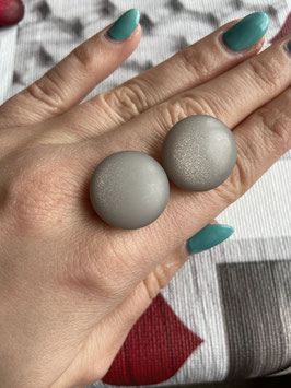 Ohrstecker oder Ohrclips matt in 20mm ( grey )