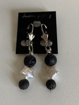 Ohrringe mit Lavaperlen und einer Süßwasserperle in Sternform