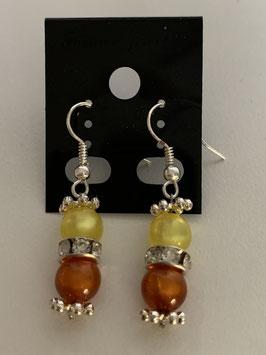 Ohrringe aus glänzenden Polarisperlen 6 mm in gelb und orange mit Straßzwischenteil