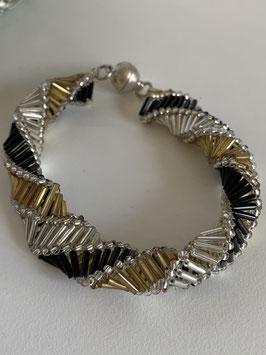 Gefädeltes Armband mit Glasröhrchen in schwarz gold und silber