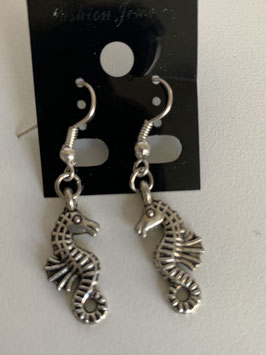Ohrringe mit Anhänger Seepferdchen
