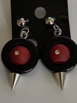 Ohrstecker aus auswechselbaren Polariselementen mit Swarovskisteinen in rot und schwarz
