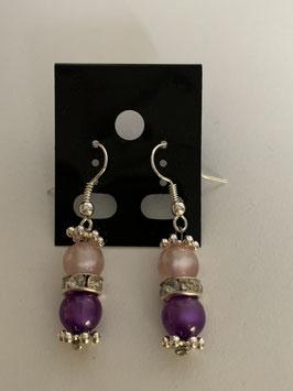 Ohrringe aus glänzenden Polarisperlen 6 mm in rosa und lila mit Straßzwischenteil