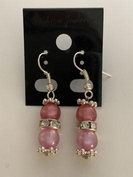Ohrringe aus glänzenden Polarisperlen 6 mm in Rosatönen mit Straßzwischenteil