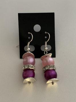 Ohrringe aus glänzenden Polarisperlen 8mm in rosa und beere und Straßzwischenteil
