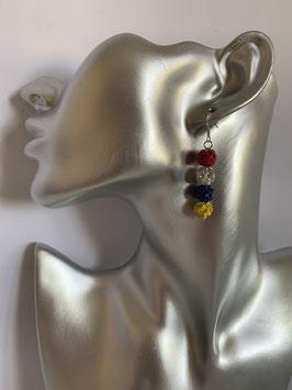 Ohrringe mit 8 mm Straßtonperlen in Fastenachtsfarben