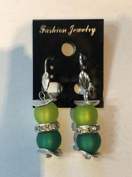 Ohrringe aus matten Polarisperlen 8 mm in Grüntönen mit Straßzwischenteil