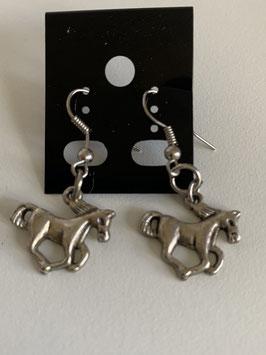 Ohrringe mit Anhänger Pferdchen