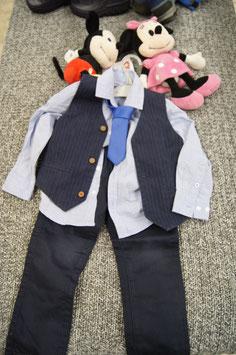Set Gr. 104,  dunkelbaue Veste mit passender Hose, Hemd und Kravatte