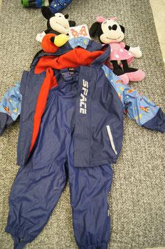 Regen Anzug Gr. 86, blaue Regenjacke mit Raketen und passende Regenhose dazu. alles gefüttert.