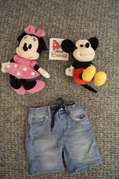 Hose Gr. 98, helle kurze Jeans mit dunkelblauem Bändel