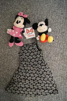 Kleid Gr. 110, schwarzes Kleid mit Zebra drauf