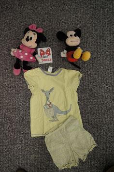 Set Gr. 116, hellgelbes Pijama mit Känguru.
