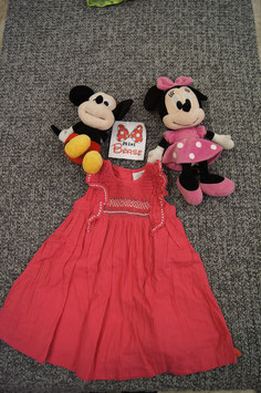 Kleid GR. 86, rosa Stoffkleid bestickt oben