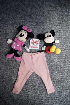 Trainerhose Gr. 68, rosarote Trainerhose, Glitzertext an der Seite