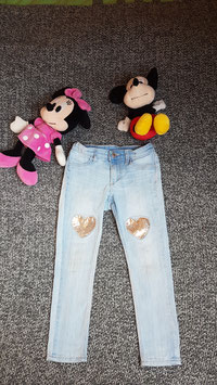Jeans Gr. 110, helle Jeans mit Pailletten Herz