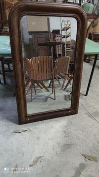 Miroir époque Louis Philippe en bois et stuc doré à la feuille
