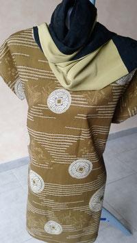 Tunique robe et l'écharpe
