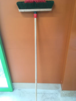 Balai rouge vert