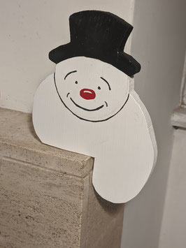 99.  Painted wooden snowman face mantlepiece decorations.
