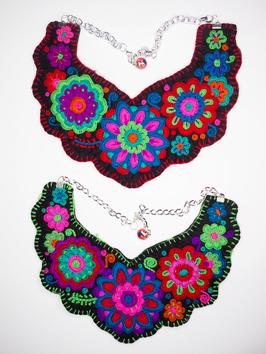 Flower power, bunte Halskette (4) aus Mexiko