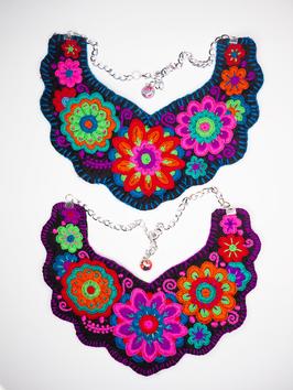 Flower power, bunte Halskette (2) aus Mexiko