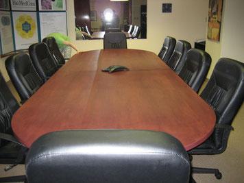 Retouches table de conférence