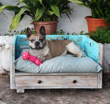 Cama para perro Koko tamaño mediano. Repuntomadera.