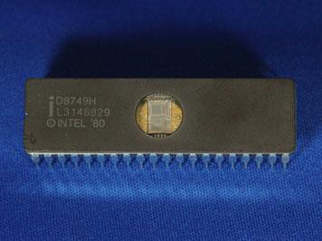 MCS-48 (i8749H)マイクロコントローラ