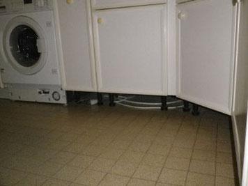 Meubles de cuisine sans plinthe