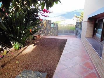 Untere Terrasse/Garten