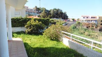 Terrasse uñnd Garten