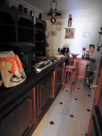 Weinkeller mit Bar