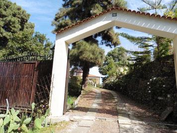 Zufahrt zu dem Haus