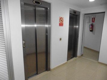 2 Aufzüge