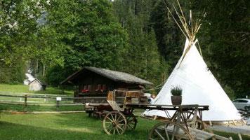 Tipi, Wigwam, Urlaub, Übernachtung im Zelt mit Komfort