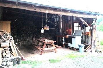 Camping mit/with outdoor kitchen, ohne Strom, stromfrei,