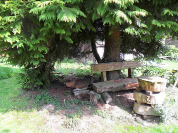 Ruheoasen im Garten in gesunder Umgebung, ohne Funkstrahlung