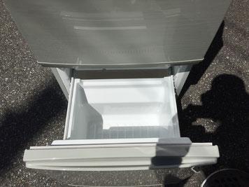 シャープ2ドア冷蔵庫の冷凍部分