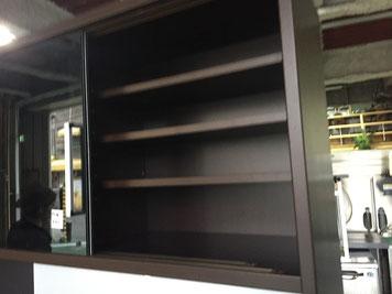 食器棚の上段部分