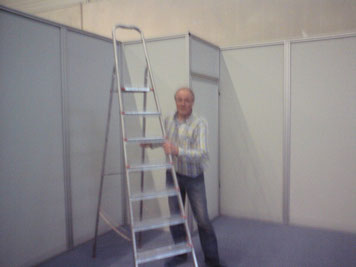 Herr Schürhoff hält seinen Schülern gern     die Leiter  auf ihrem Weg nach oben.