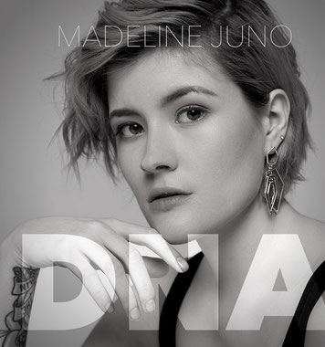 Keyboarder bei Madeline Juno, DNA TOUR, Salvation Tour