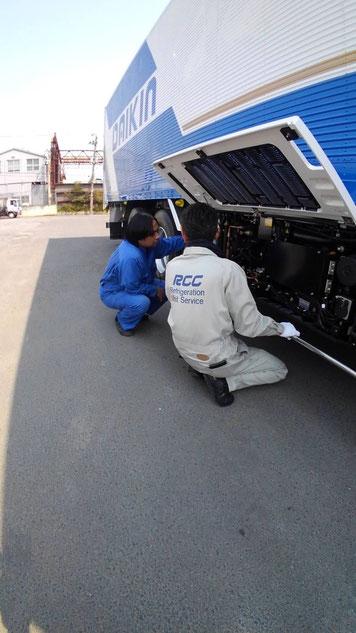 トラック 冷凍機の説明