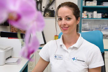 Dr. Anita Kaiser lächelt Sie an Arztpraxis Aspach