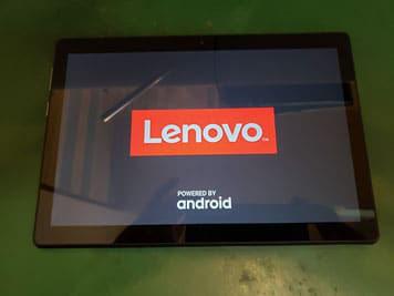 Lenovo Tab5通電させ機能をチェックしている