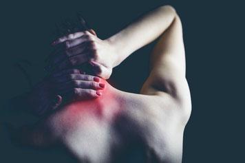 Reha Kopf Nachen Schulter schmerzen