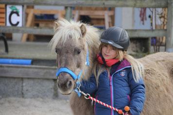 Anouk mit Pferd von Fiedlers Drachenhof